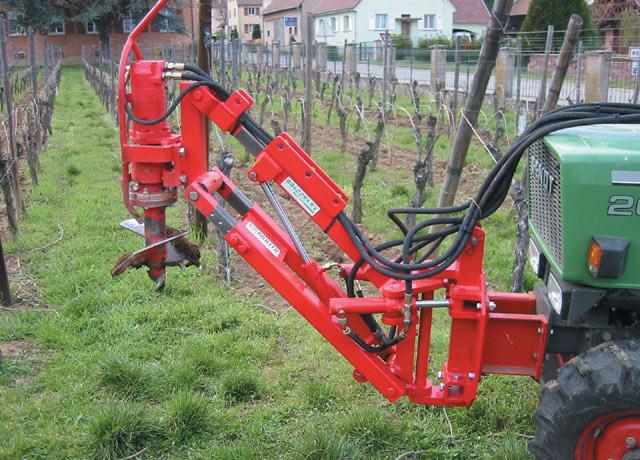 Tarière hydraulique pour tracteur